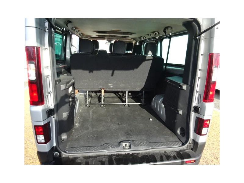 renault trafic iii combi l2 1 6 dci 125ch energy intens 9. Black Bedroom Furniture Sets. Home Design Ideas