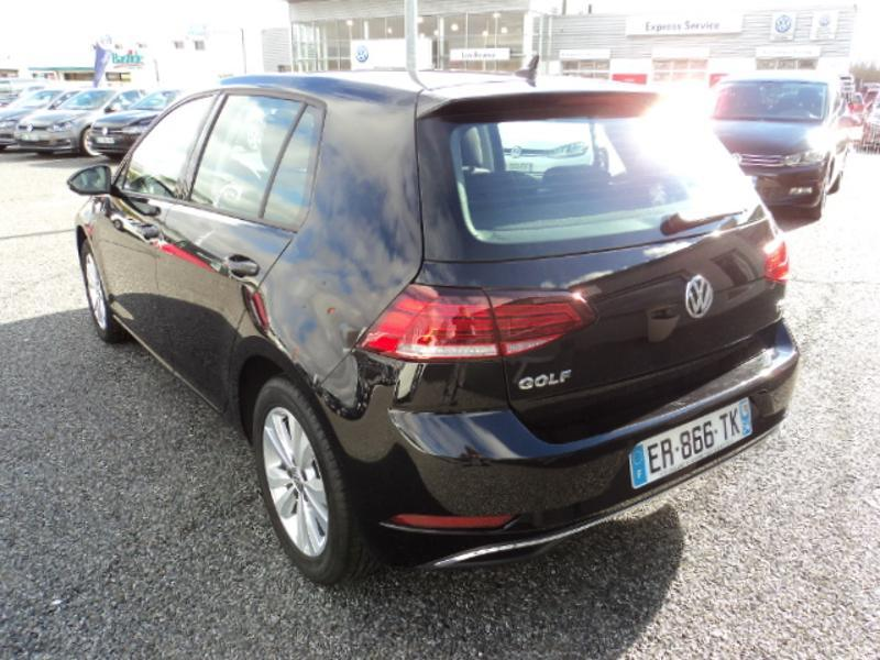 Photo n°5 de la voiture Volkswagen Golf 1.4 TSI 125ch BlueMotion Technology Confortline 5p occasion disponible chez votre concessionnaire à 18 990 €