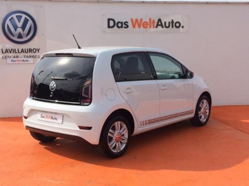 Photo n°3 de la voiture Volkswagen Up 1.0 60ch up! Beats Audio 5p occasion disponible chez votre concessionnaire à 10 890 €
