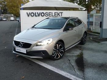 Achat VOLVO V40 Cross Country D2 120ch Översta Edition Geartronic occasion à Pau à 31950 €