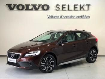 Achat VOLVO V40 Cross Country D3 150ch Översta Edition Geartronic occasion à Labege à 33890 €