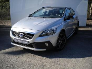 VOLVO V40 Cross Country D2 120ch Momentum Business occasion éligible à la prime à la conversion en vente à Merignac à 18900 €