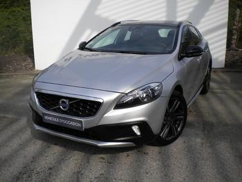 VOLVO V40 Cross Country D2 120ch Momentum Business occasion éligible à la prime à la conversion en vente à Merignac à 18500 €