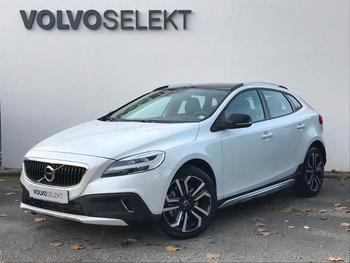 VOLVO V40 Cross Country T3 152ch Signature Edition Geartronic occasion éligible à la prime à la conversion en vente à Merignac à 26900 €